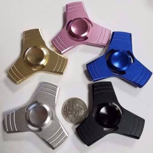 Fidget Spinner Metal Besi Three Sides
