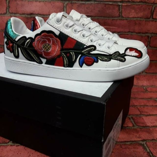 Gucci Embroided Shoes Replica