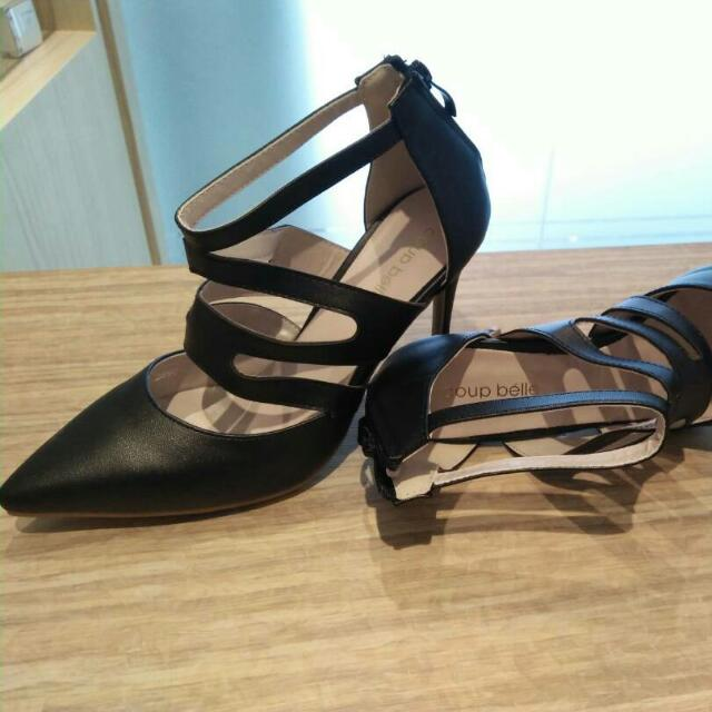 Sold Out - High heels Hitam