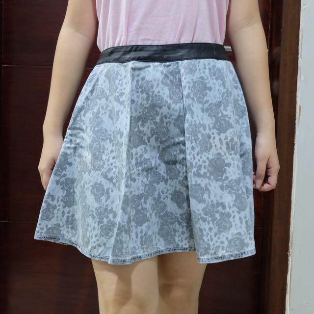 H&M Blue Floral Skirt