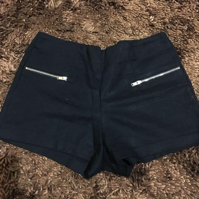 Hot Pants Berskha
