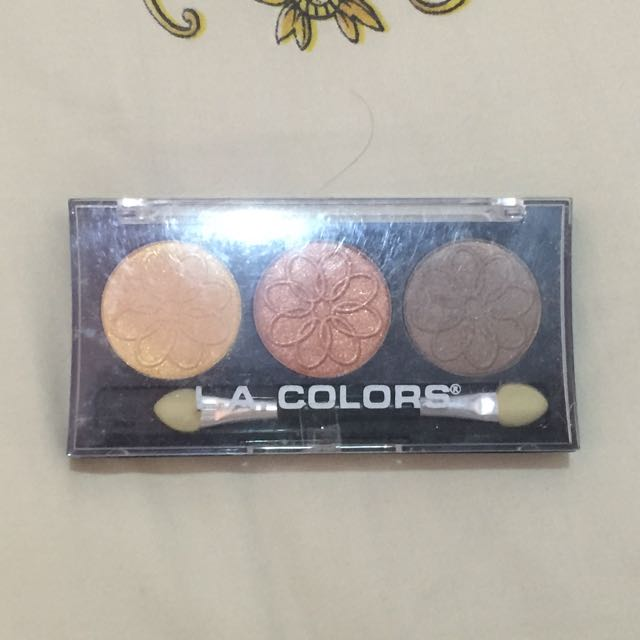 L.A. Colors 3 Color Eyeshadow Palette Sunflower CES445