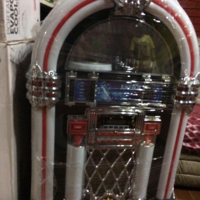 Life size Jukebox