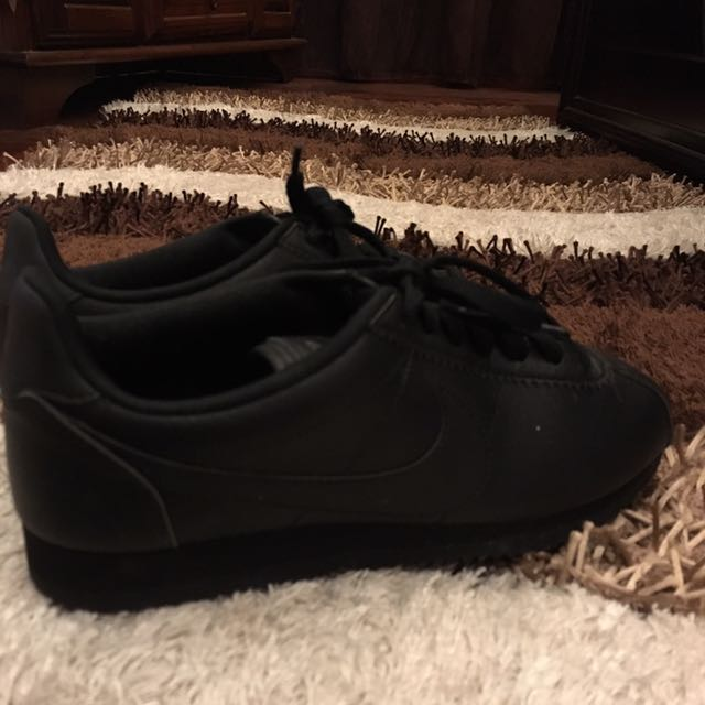 new products 52443 933e2 Nike Cortez All Black Leather, Women s Fashion, Shoes on Carousell
