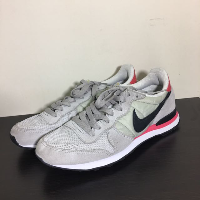 Nike internationalist 25cm 日本購入
