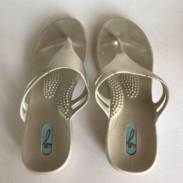 Okai Sandals-REPRICED‼️