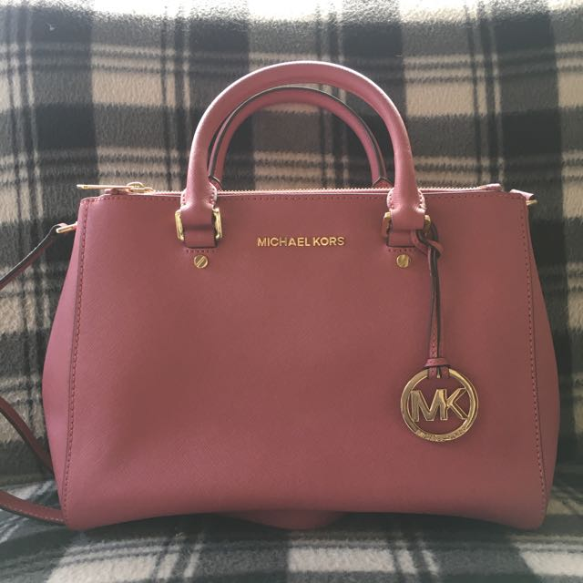 PRE LOVED MICHEAL KORS SATCHEL - Sutton Saffiano