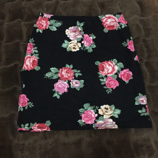 Preloved New Look Floral Span Skirt