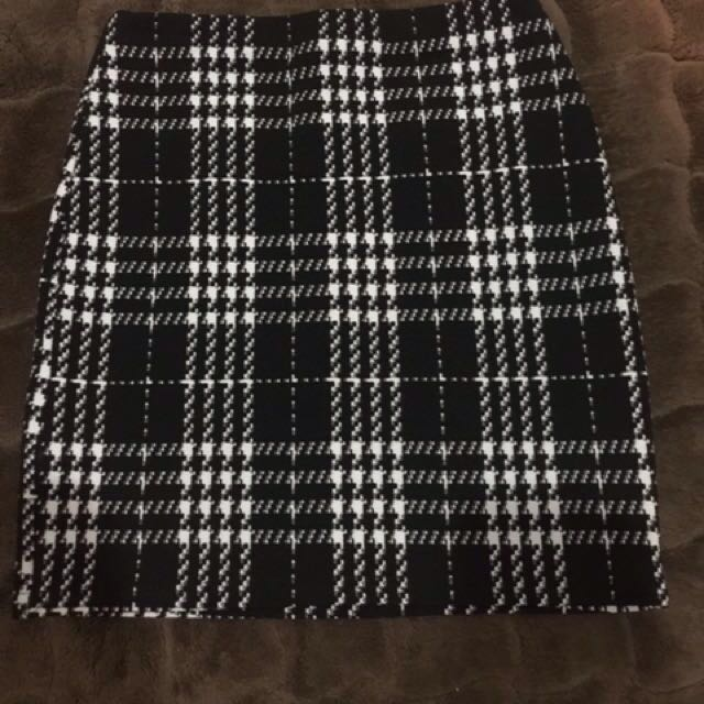 Preloved New Look Monochrome Span Skirt