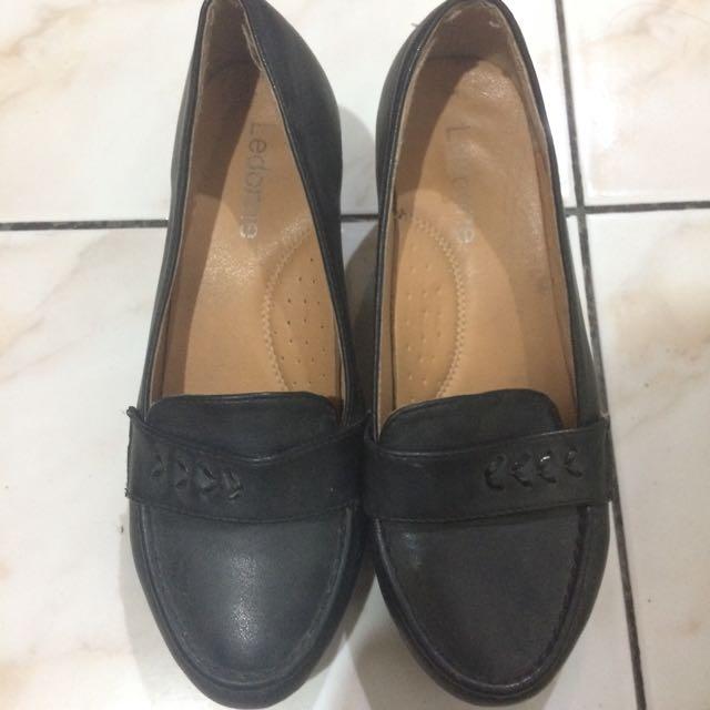 School Black Shoes