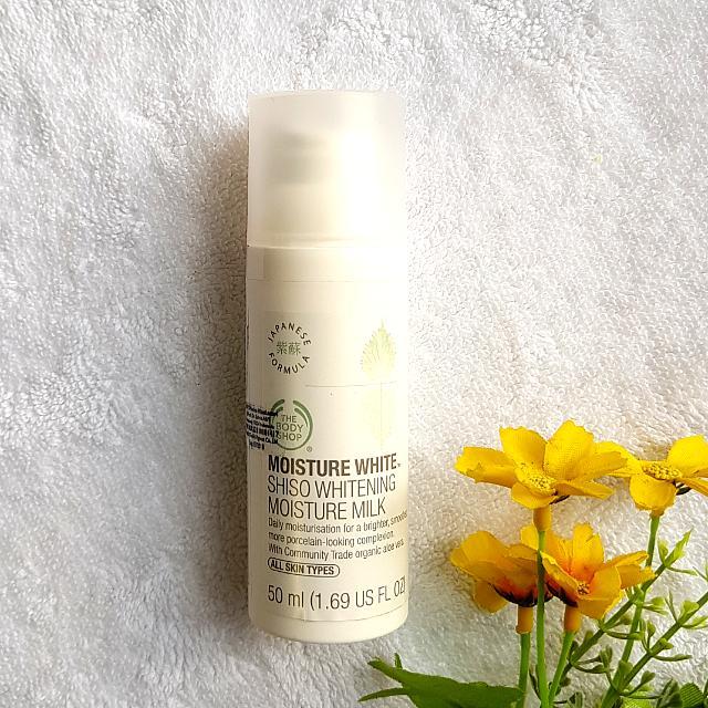 The Body Shop Shiso Whitening Moisture Milk