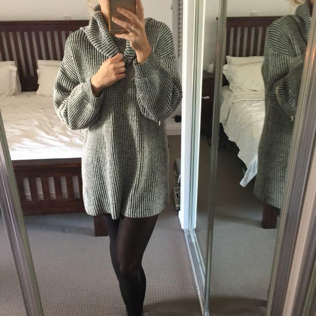 Turtle Neck Knit Dress / Jumper Black And White