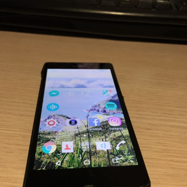 Xperia z Mobile Phone