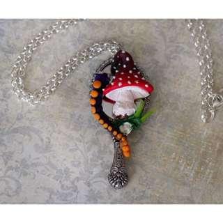 Alice in Wonderland Necklace(015)