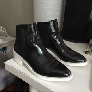 ZARA PANTENT ANKLE BOOTS