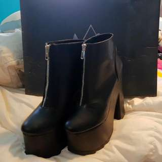 YRU Nightmare Boots