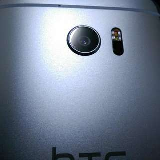 HTC 10 32GB 星光銀 盒裝 二手(M7M8M9M10U11 U Ultra)