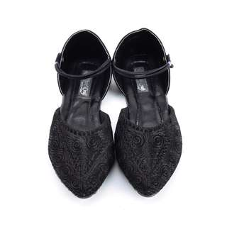 Black and Beautiful Ethnic Shoes For Women