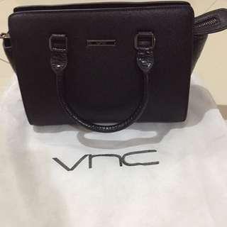 Vnc black handbag