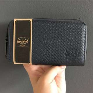 BNWT Herschel Supply Thomas Wallet (Charcoal Grey Snake Leather)