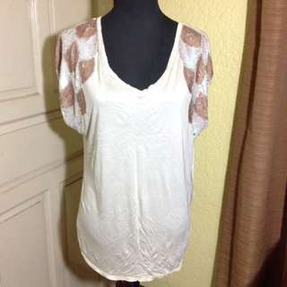 H&M cotton top with bead design
