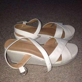 Cream Rubi Shoes