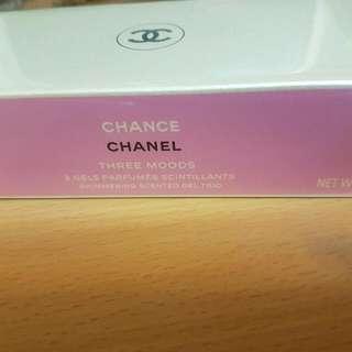 Chanel限量馬卡龍珠光柔膚香氛凝露組(三個)