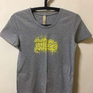 NUEE灰色T恤