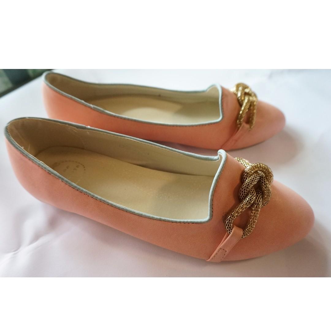 全新 粉紅色平底鞋 金色鍊子 尺碼39 娃娃鞋