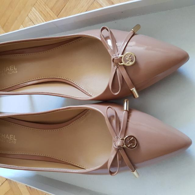 Authentic Michael Kors Shoes Size 6