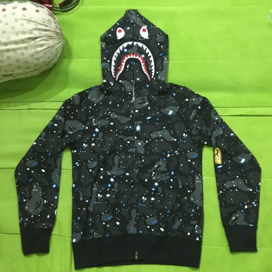 aaa54fa1c244 Bape Space Camo PONR Shark Full Zip Hoodie, Men's Fashion, Clothes on  Carousell