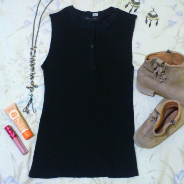 Less 10 pesos - Cute Black Sleeveless