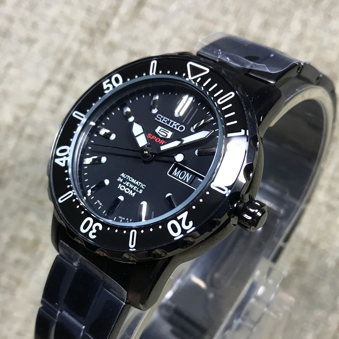 Brand New Seiko 5 Automatic Mid Size Unisex Black Ion Plated