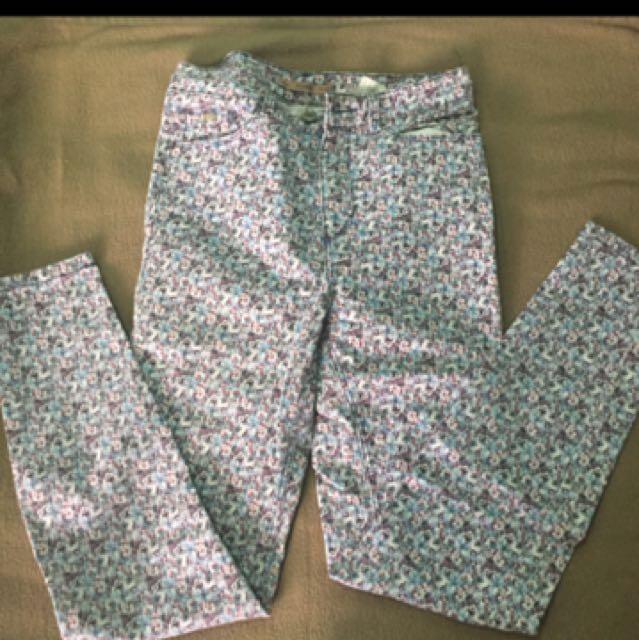 celana panjang motif bunga pull&bear
