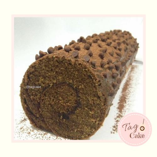 Chocolate Chocochips Roll Cake
