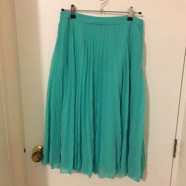 Green, Midi Skirt In Chevron Pleat - Sz 12
