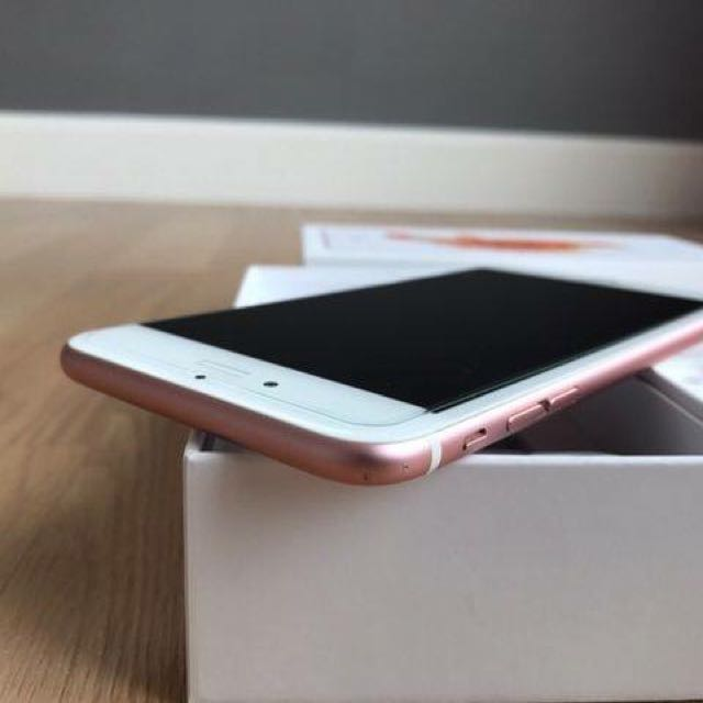 IPhone 6s plus 64GB Rose Gold like new with Box