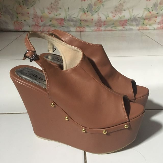 <NEW HANDMADE SHOES) BROWNY WEDGES