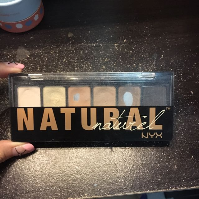 NYX natural Eyeshadow
