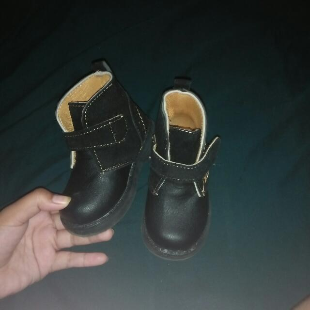 PRELOVED BABY BOOTS