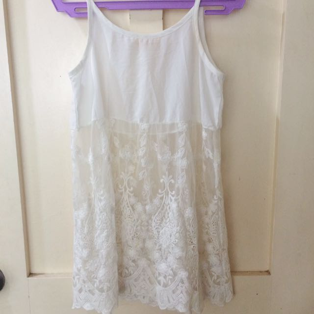 Preloved White Lace Top