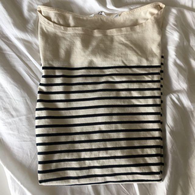 Uniqlo White And Black Strip Shirt