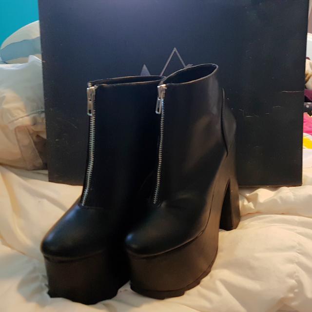 YRU Nightmare Boots