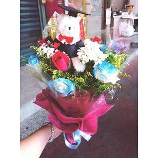 期間限定 畢業季 小熊捧花玫瑰花束 6~8朵玫瑰