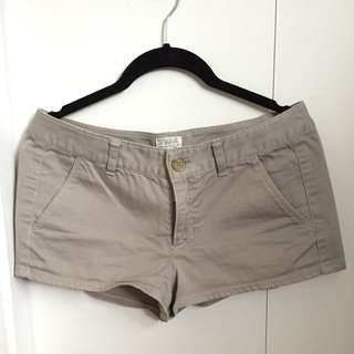 TNA light grey shorts