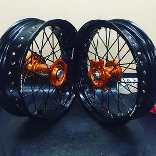 Excel Rims with Talon Hubs and Bulldog spokes and nipples