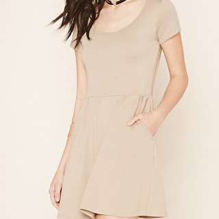 BNWT Taupe Dress With Pockets