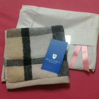 Burberry小方巾