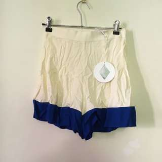 BNWT HOUSE OF CARDS SHORTS SIZE 6