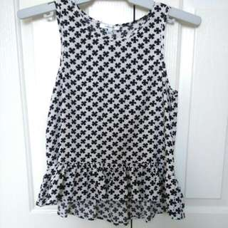 Valleygirl Black And White Clover Pattern Top